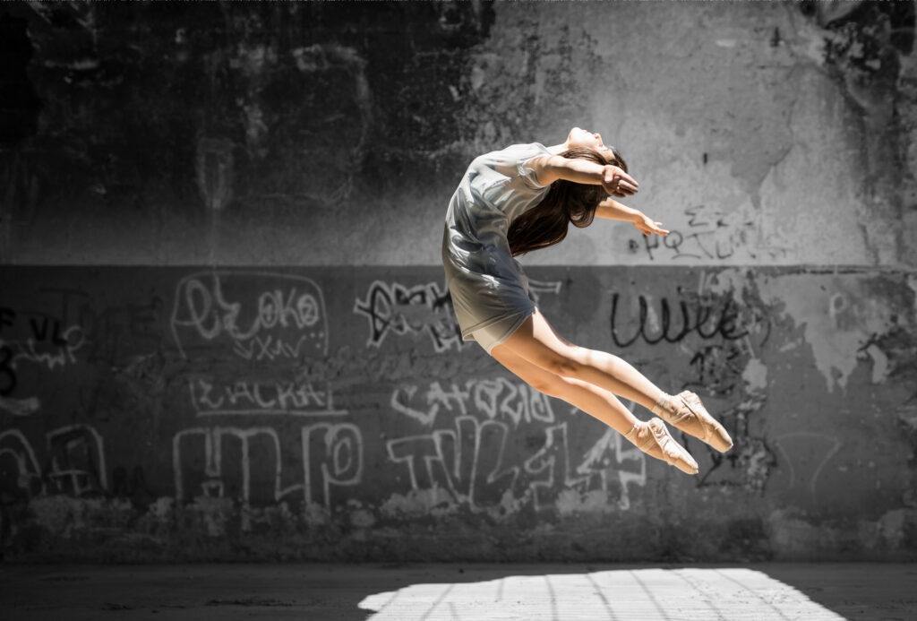 Nainen tanssii